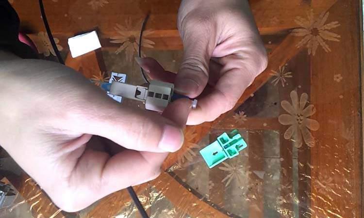Bấm dây cáp quang với đầu kết nối nhanh Fast Conector